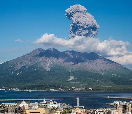 火山の噴火災害に対する備えの確認!火災保険の見直しも。